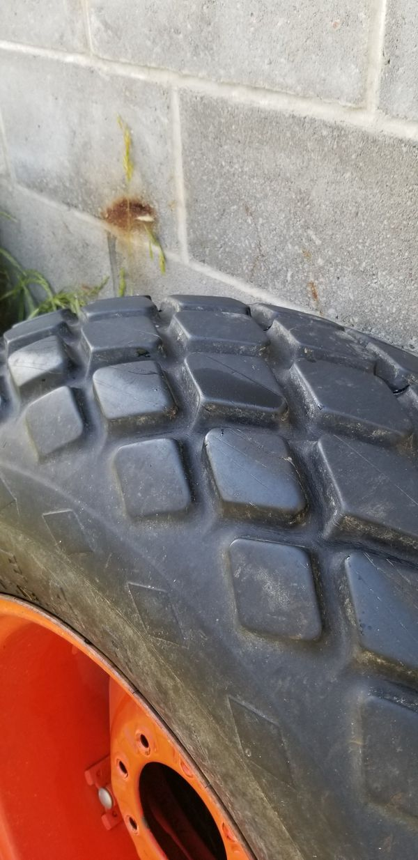 Set of Kubota turf tires, In great shape