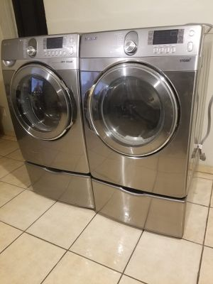 STAINLES STEEL SAMSUNG WASHER AND GAS DRYER for Sale in Glendale, AZ