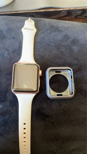 Apple Watch series 3 38mm ROSE GOLD for Sale in San Diego, CA