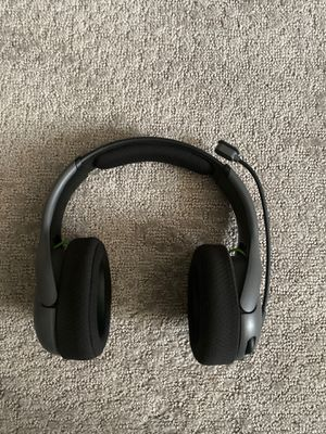 Wireless gaming headset for Sale in Burlington, NJ