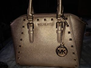 Real Michael Kors hand bag for Sale in Carol City, FL