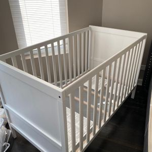 Baby Crib for Sale in Chicago, IL