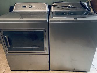 Set washer and dryer Maytag bravo for Sale in Nashville,  TN