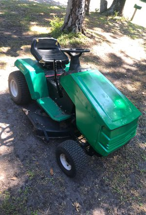 Briggs weed eater lawn tractor for Sale in Tampa, FL