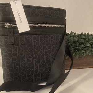 Calvin Klein Shoulder Bag New Messenger Bag for Sale in Seattle, WA