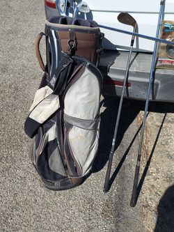 Dattek Golf Bag With 8 Golf Clubs for Sale in Highland,  CA