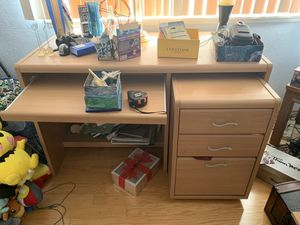 Very nice desk with pull out cabinet for Sale in Huntington Beach, CA