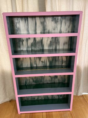 Retro Bookshelf with Gold Leafing for Sale in Orlando, FL