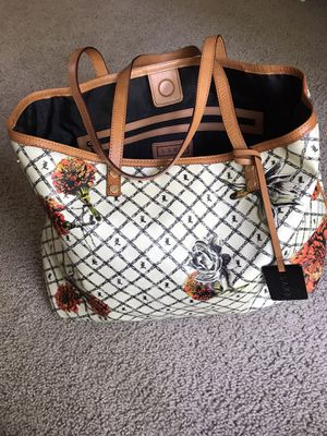L.A.M.B designer brand Large tote, limited edition💯, sold at Nordstrom for Sale in Kent, WA