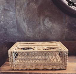 Wicker Tissue Holder for Sale in Fresno,  CA