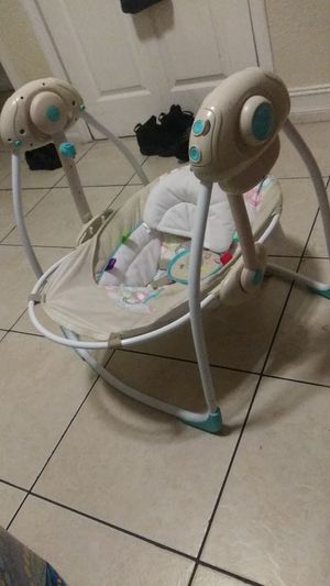 Baby Swings like New don't need it for Sale in Fort Lauderdale, FL