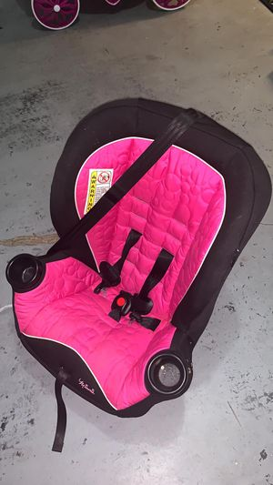 Car seat in good condition for Sale in Winter Garden, FL