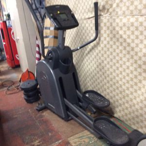 NordicTrack Elliptical Exercise Machine for Sale in Bellingham, MA
