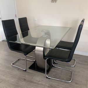 Modern Glass Dining Set - 5 Piece (Table, 4 Chairs) for Sale in South Gate, CA