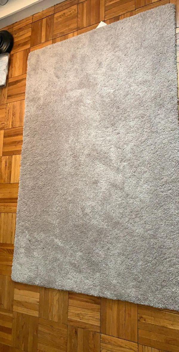 Area Rug 1.5 meters ( Carpet)