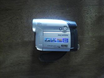 Samsung digital camera 25 $ for Sale in Hesperia,  CA