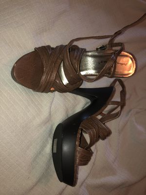 Brown heels size 8 like new by Fashion Focus for Sale in FL, US