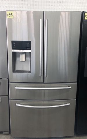 Comes with free 6 Months Warranty-28 cu. ft. Four door stainless steel refrigerator Samsung for Sale in Detroit, MI