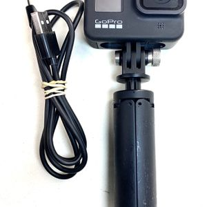 GoPro Hero 8 Black Action Camera with Tripod for Sale in Ontario, CA