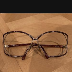 Vintage CHRISTIAN DIOR 2499 BUTTERFLY RARE VINTAGE SUNGLASSES TORTISE /GOLD for Sale in Fort Lauderdale, FL