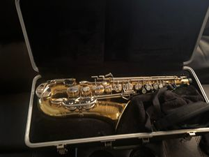 Bundy brand Saxophone with new pads / neck piece/strap and mouthpiece for Sale in Melvindale, MI