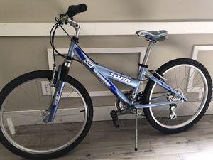 """Trek 220 bike with 24"""" wheels for Sale in Winter Garden, FL"""