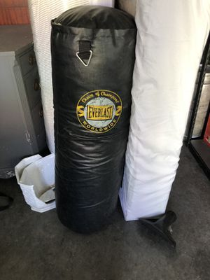 Everlast punching bag for Sale in Ruston, WA