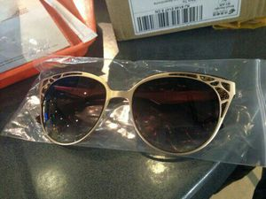 Cat eye sunglasses for Sale in Severn, MD