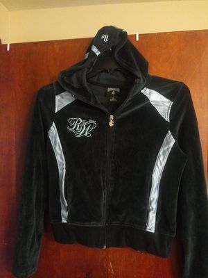 Rocawear Valour hoodie jacket. Size XL for Sale in Avon Lake, OH