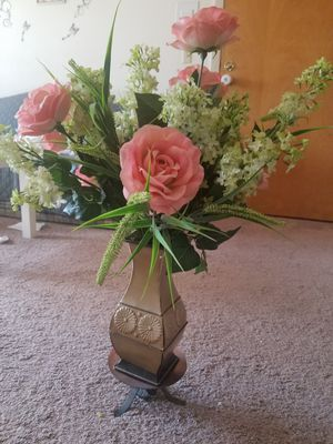 Plastic flowervase for Sale in Woonsocket, RI