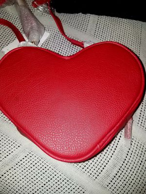 Justfab Heart Crossbody Bag for Sale in Port St. Lucie, FL
