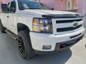 Chevrolet silverado for Sale in Hialeah, FL