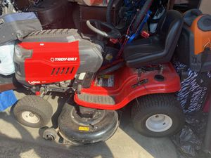 "TROY BILD HORSE HYDROSTATIC 42"" 547CC LAWN RIDIND SIT DOWN MOWER TRACTO for Sale in Fontana, CA"