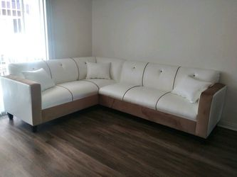 NEW 7X9FT WHITE LEATHER SECTIONAL COUCHES for Sale in Los Angeles,  CA