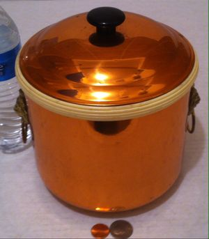 """Vintage Metal Copper Ice Bucket wit Lions Head Handles, 8"""" x 7"""", Bar Decor, Kitchen Decor, Table Display, Shelf Display for Sale in Lakeside, CA"""