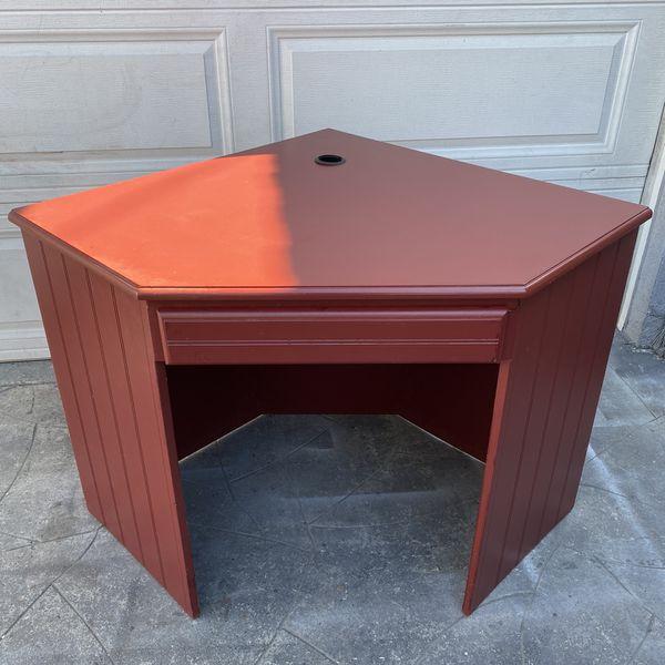Red wooden corner desk w/pull out key board