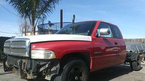 Ram Cummins diesel trabaja bien motor ocupa transmission corre hasta 50 a 60 de belocidad t lista para ponerle nueva defensa nuevos sofas for Sale in Tracy, CA