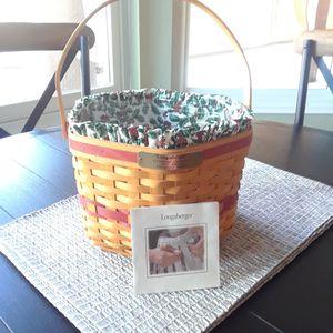Longaberger Christmas Basket for Sale in Sun City, AZ