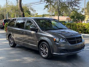 2016 Dodge Grand Caravan for Sale in Coral Gables, FL