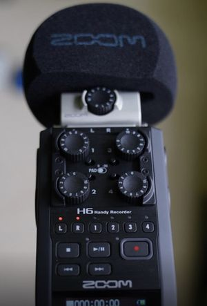 Zoom H6 All Black with case, cables, and mics for Sale in Gilbert, AZ
