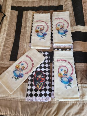 A NICE.. NEW.. DISNEY ..ALICE IN WONDERLAND..KITCHEN TOWELS for Sale in Long Beach, CA
