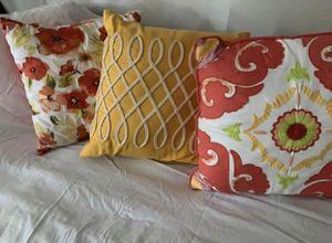 3 decorative pillows for Sale in Garden Grove, CA