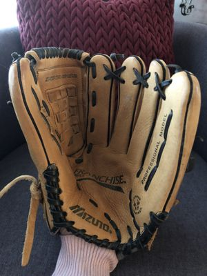 "Mizuno Franchise 12"" Softball glove for Sale in Annandale, VA"