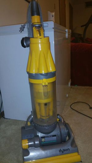 Dyson vacuum for Sale in Elyria, OH