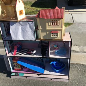 Free - LOL Doll Play House And More for Sale in San Diego, CA