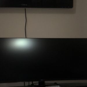 Lg 34 inch curved monitor 2560x1080p 144hz for Sale in Grand Prairie, TX