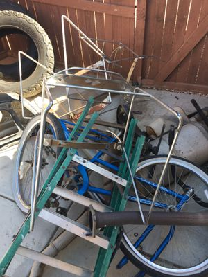 free metal and grill for for Sale in Victorville, CA