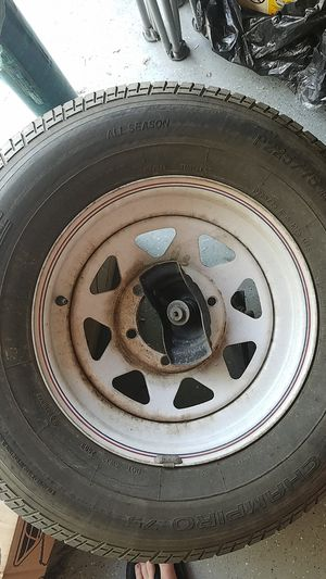 """6 lug 15"""" spare trailer wheel and tire 225,75,15 for Sale in Hemet, CA"""