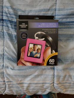 USB 2.0 DIGITAL PHOTO KEYCHAIN for Sale in Ypsilanti,  MI