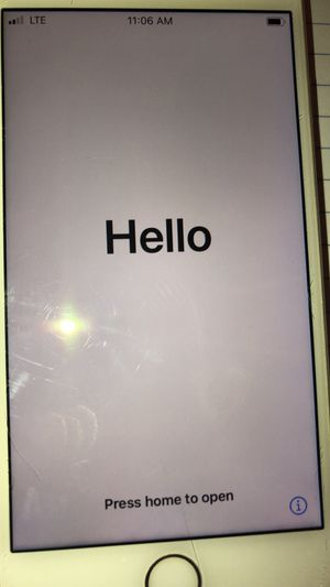 iPhone 8 128GB Silver Grey Unlocked for Sale in Los Angeles, CA